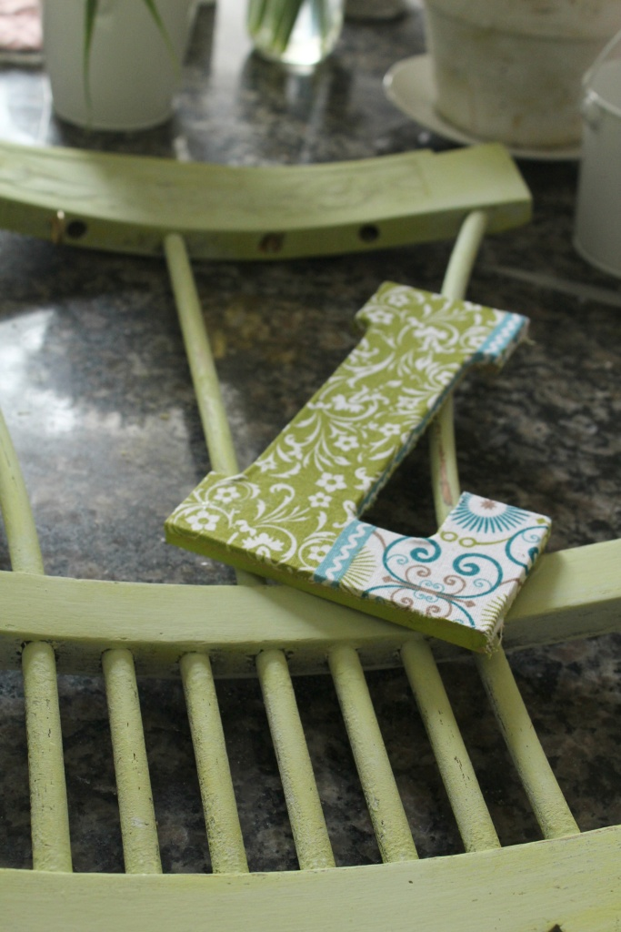 Glueing the Letter-Trash to Treasure project