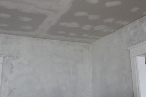 Repairing Hole in Plaster 1